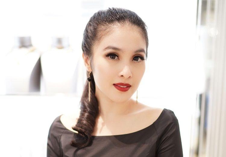 Ungkap Rahasia Cantik dan Bugar, Sandra Dewi Rajin Konsumsi Ramuan Rumahan Ini