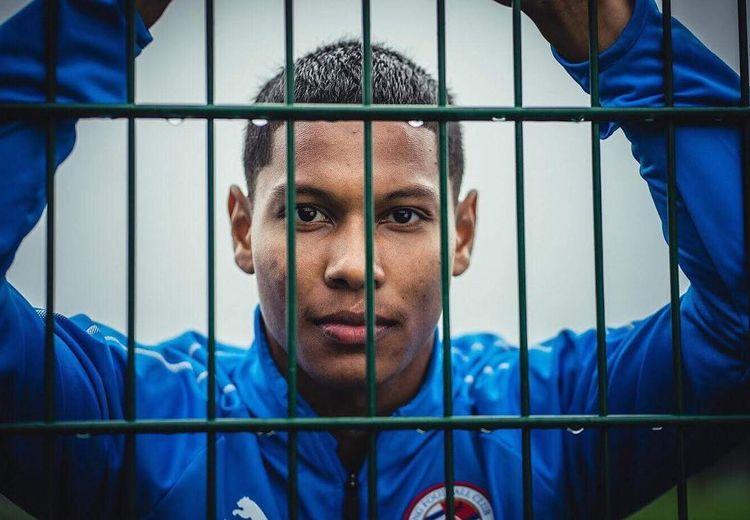 Potret Darren Sidoel, Pemain Liga Inggris Keturunan Wonosobo yang Siap Bela Timnas Indonesia