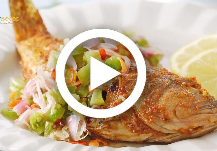 [Video] Makan Siang Akhir Pekan Pasti Jadi Makin Istimewa dengan Kerapu Bakar Colo-Colo yang Satu Ini