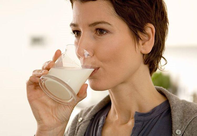 5 Cara Mencegah Osteoporosis Setelah Usia 50: Perbanyaklah Berjemur!