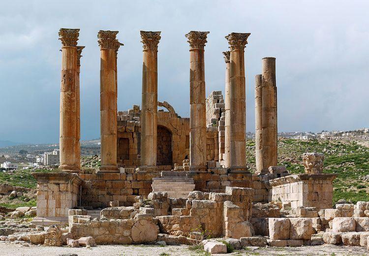 Antara Warisan Kuil Yunani, Rumah Bunda Maria, dan Masjid Seljuk, yang Dijaga Pemerintah dan Penduduknya