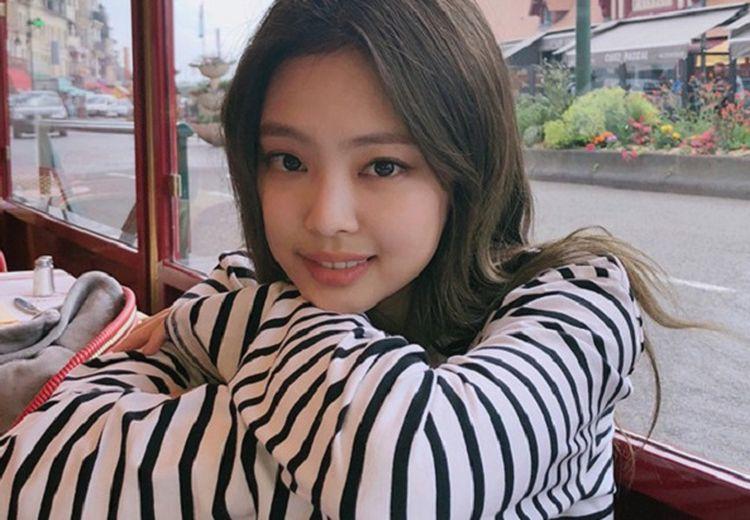 Jennie 'BLACKPINK' Dikenal Cewek yang Kharismatik. Ini 5 Cara Biar PD Kayak Jennie!