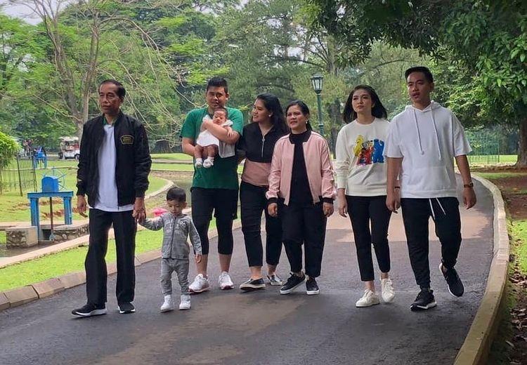 Jokowi Unggah Foto Liburan Bersama Anak Cucu di Kebun Raya Bogor, Warganet Pertanyakan Keberadaan Kaesang Pangarep
