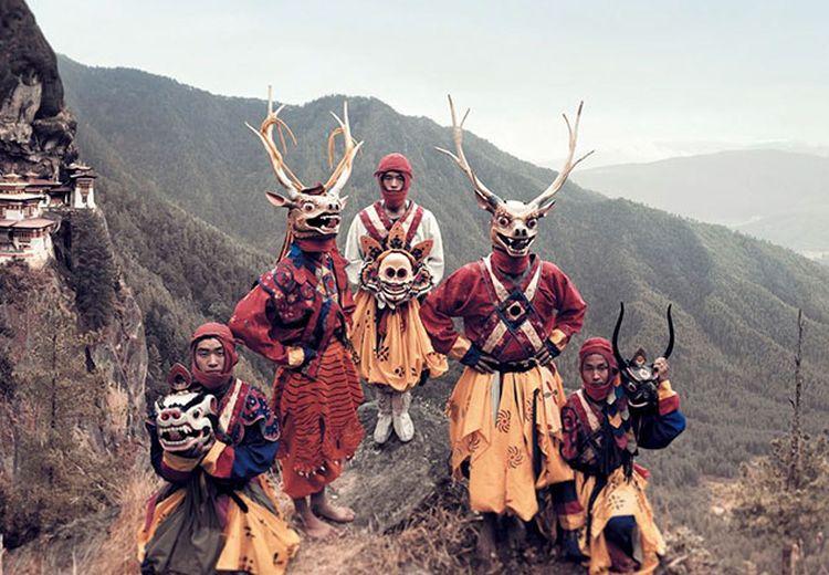 Potret Indah Memukau Suku-Suku Terisolasi di Berbagai Penjuru Dunia