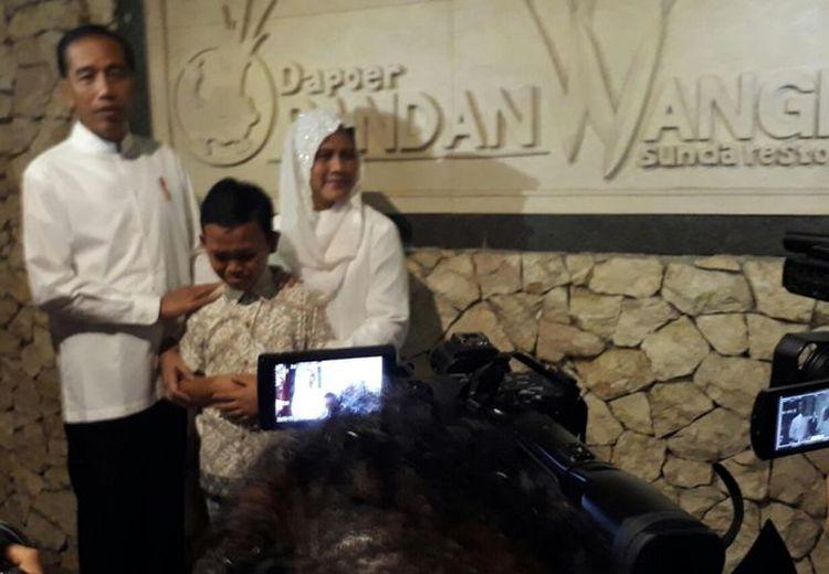 Demi Subscriber YouTube, Anak SMP Ini Rela Nunggu Presiden Jokowi Selama 7 Jam