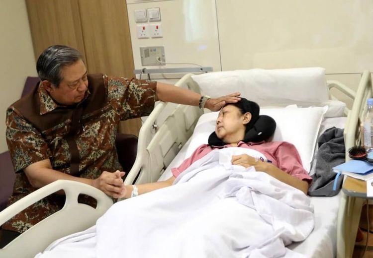 Sakit Kanker Darah, Ani Yudhoyono Bisa Jadi Jalani Transplantasi Sumsum Tulang Belakang