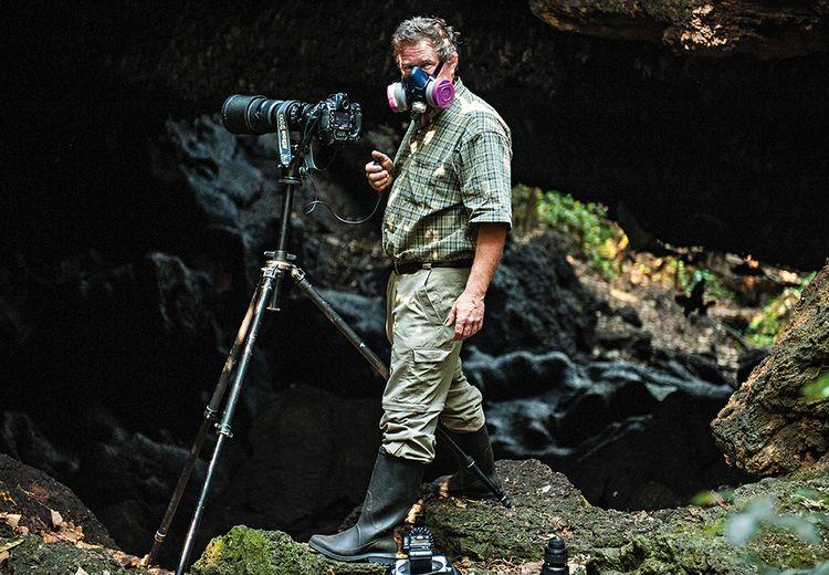 Kala Fotografer Joel Sartore Nyaris Terkena Virus Kelelawar Mematikan