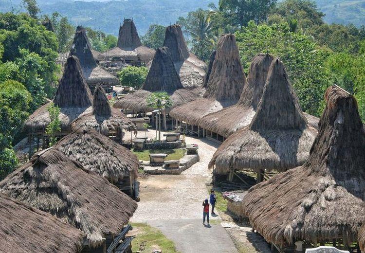 Mampir Sejenak Menuju Kampung Adat Praijing di Sumba Barat