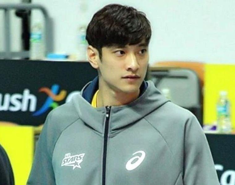 7 Fakta Seru Soal Kim Yo Han, Atlet Voli Korea yang Cocok Jadi Idola! -  CewekBanget