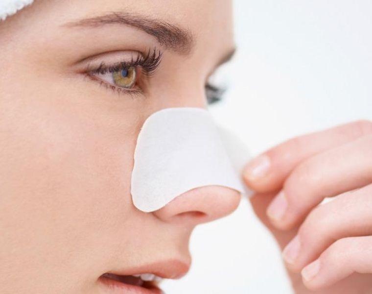 Kertas Yang Ditempel Di Hidung Untuk Mengangkat Jerawat