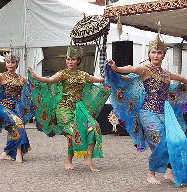 Tari Merak Tari Kreasi Baru Dari Jawa Barat Bobo