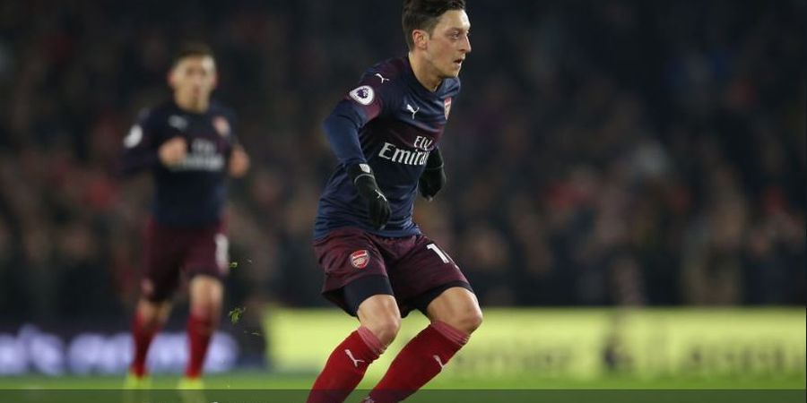 Jose Mourinho Nasihati Unai Emery agar Mesut Oezil Bisa Moncer