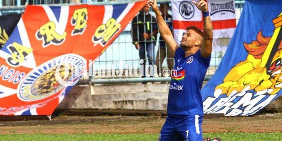 Masalah di Balik Loyonya Fisik Striker Asing Arema FC