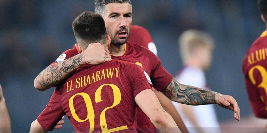 VIDEO - Dengan Sepakan ala Messi, Kolarov Jaga Kesucian Rekor AS Roma