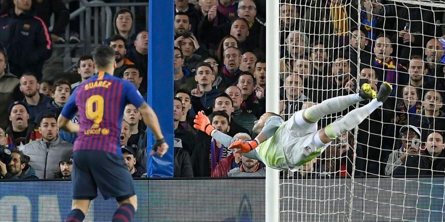 Dibobol Lionel Messi, Kiper Olympique Lyon Diganti Menit Ke-34 dan Menangis