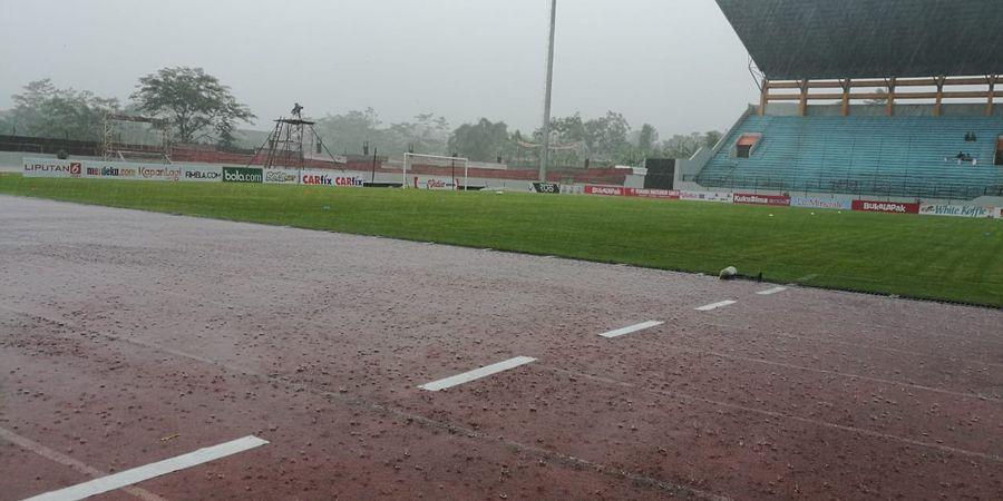 Piala Presiden 2019 - Hujan Deras Guyur Stadion Moch Soebroto Jelang Laga Pamungkas di Grup C
