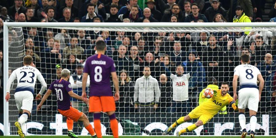 VIDEO - Baru 3 Menit, Kiper Tottenham Hotspur Buat Blunder dan Cedera