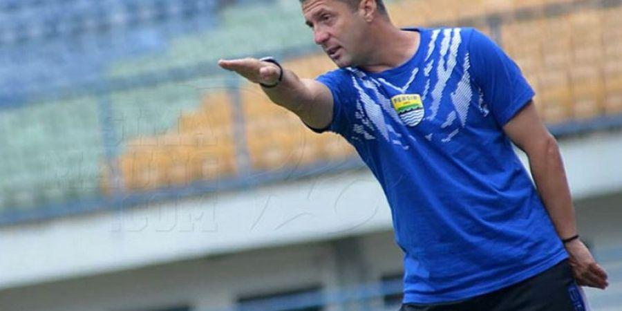 Miljan Radovic Kutip Liga Champions Saat Respons Catatan Buruk Persib di Segiri