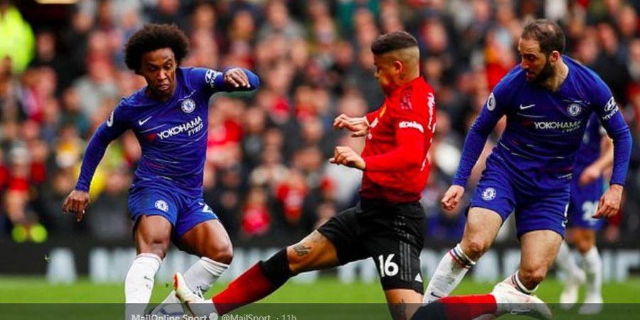 Man United Dituntut Bek Tengah Tersisih untuk Segera Menjualnya