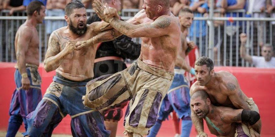 VIDEO - Rugby Plus Tawuran MMA! Olahraga brutal dari Fiorentina