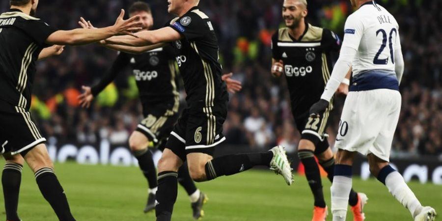 Tak Mau Kehilangan Donny van de Beek, Ajax Sodorkan Kontrak Baru