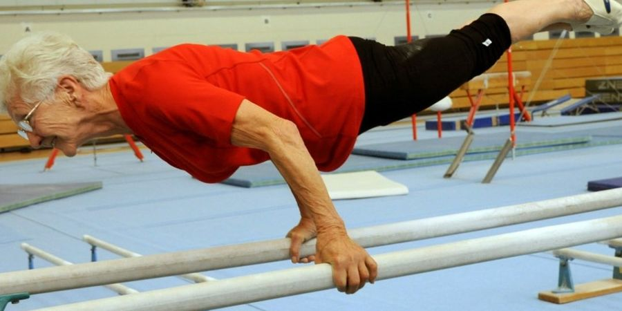 VIDEO - Super Human! Nenek Berusia 86 Tahun ini Jadi Atlet Gymnastic Tertua