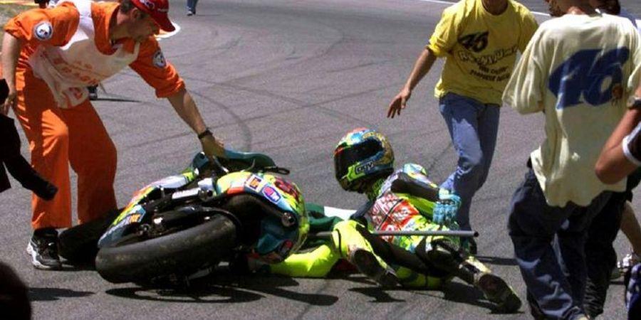 VIDEO - Kejadian Bersejarah! Valentino Rossi Pernah Tabrak Orang saat Selebrasi