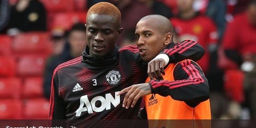Beda Nasib Dua Bek Manchester United di Bursa Transfer Musim Panas