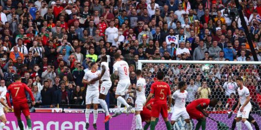 VIDEO - Gol Freekick Cristiano Ronaldo Bikin Kiper Swiss Bengong