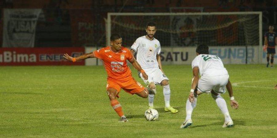 Borneo FC Vs Persebaya - Sepakan Ruben Sanadi Bawa Tim Tamu Unggul