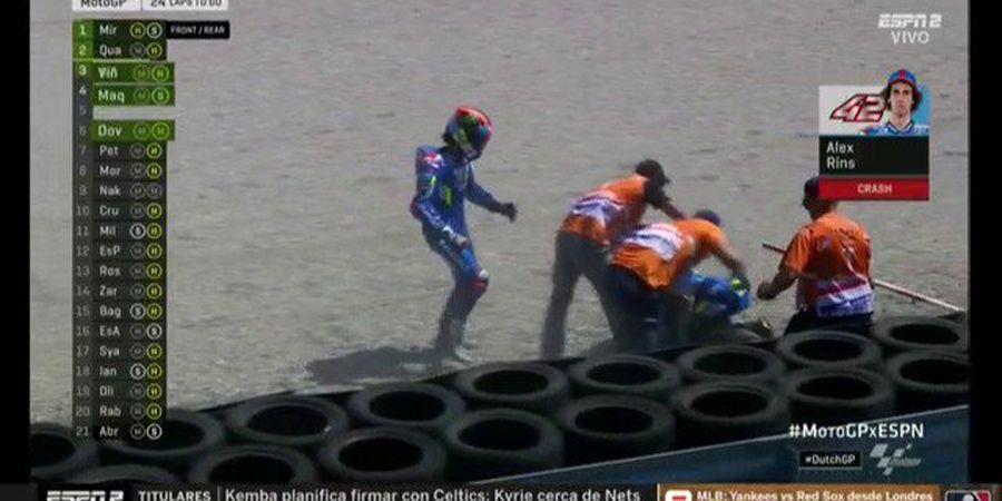 BREAKING - Valentino Rossi dan Alex Rins Crash pada Lap-lap Awal MotoGP Belanda 2019