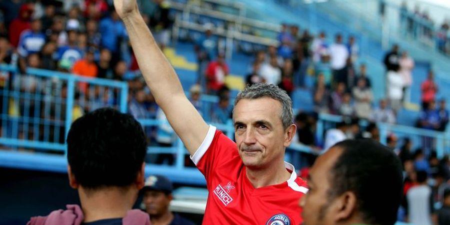 Milomir Seslija Anggap Wasit Jadi Biang Keladi Arema FC Ditahan Imbang Borneo FC