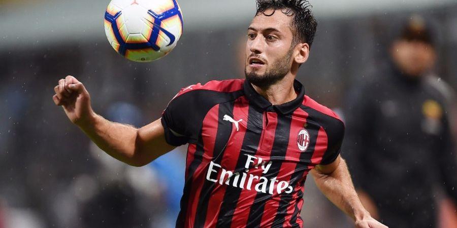 Cedera Otot, Calhanoglu Tak Bisa Perkuat AC Milan Saat Jumpa Torino