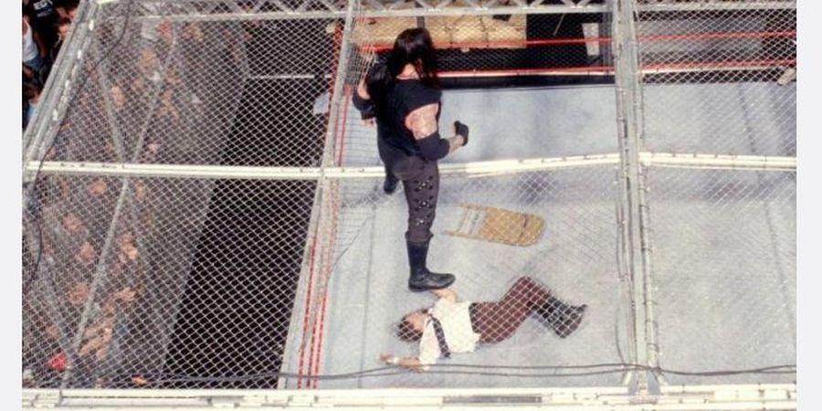 5 Momen Kesalahan Teknis Paling Fatal di WWE, The Undertaker Terbakar Hidup-hidup
