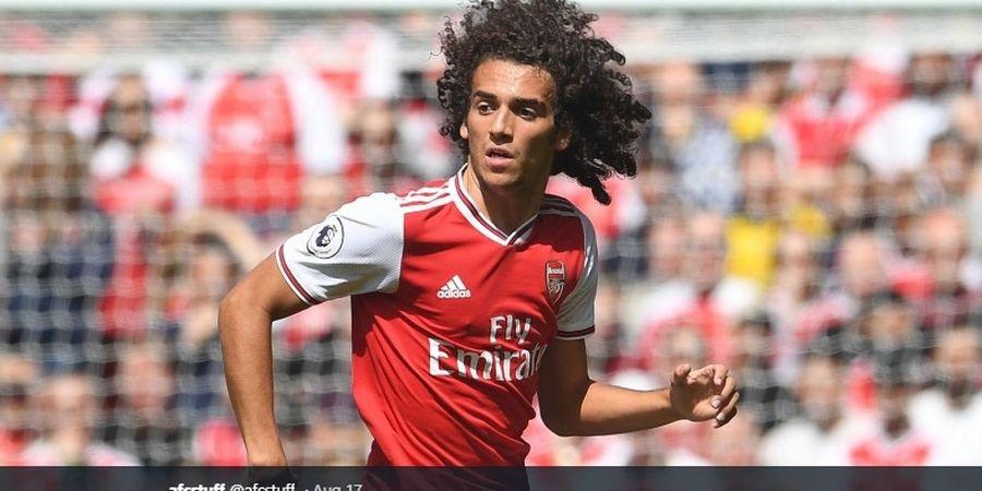 Main Tangan dengan Bek Watford, Youngster Arsenal Beruntung Tak Diusir Wasit