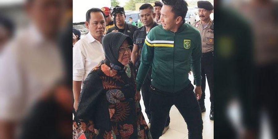 Tri Rismaharini Sambangi Stadion GBT, Persebaya Justru Terancam Sanksi