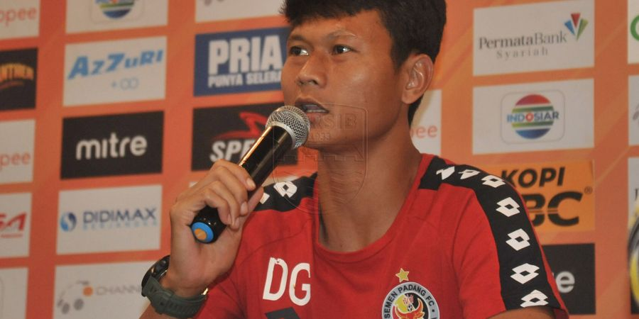 Punya Banyak Pemain Hebat, Bek Semen Padang Tak Takut Hadapi Persib Bandung