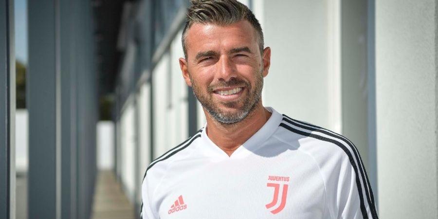 Alasan Keluarga, Mantan Bek Tengah Juventus Mundur dari Staf Pelatih