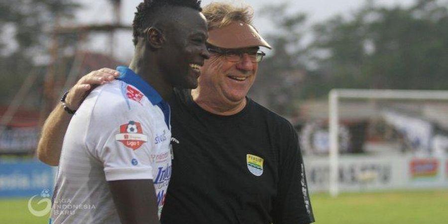 Perjalanan Jauh Chad-Indonesia Hambat Striker Persib Latihan