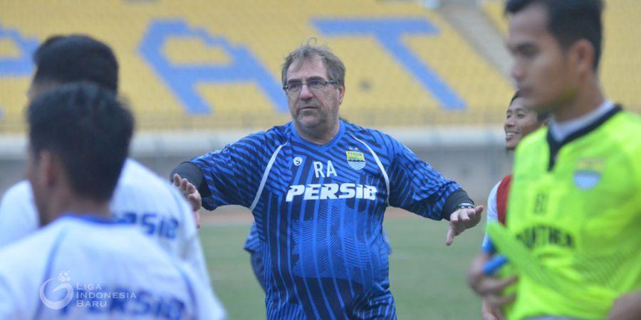 Persib Vs Persebaya, Pelatih Persib Bandung Fokus Benahi Sektor Ini