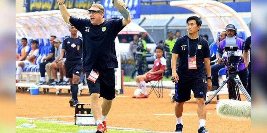 Tak Boleh Pinjam Pemain, Pelatih Persib Curiga Ada Standar Ganda di Timnas Indonesia