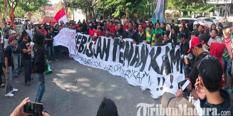 FIFA Sanksi Indonesia Lebih Berat dari Malaysia