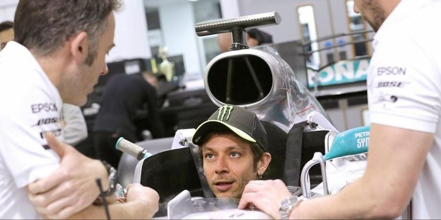 Valentino Rossi Lakukan Persiapan Sebelum Kendarai Mobil Juara F1