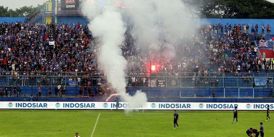 Arema FC Minta Para Suporter untuk  Tak Lagi Pakai Flare Saat Launching Tim