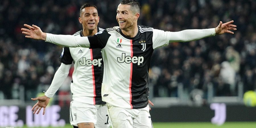 Tak Sengaja Cium Paulo Dybala, Cristiano Ronaldo Jadi Viral