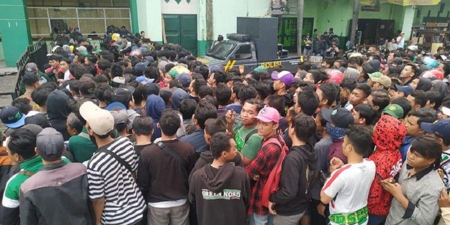 Final Piala Gubernur Jatim 2020, Bonek Serbu Penjualan Tiket Laga Persebaya Vs Persija