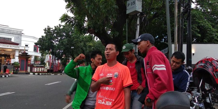Bhayangkara FC Vs Persija Digelar Tanpa Penonton, The Jak Mania Tetap Datang