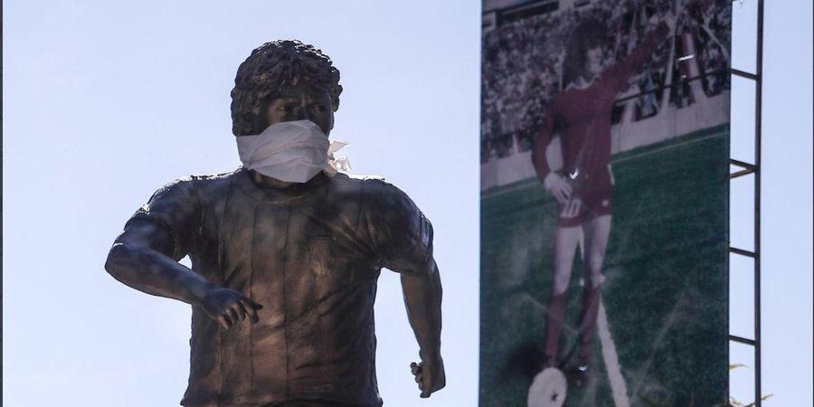 Imbauan COVID-19, Patung Maradona di Argentina Pakai Masker