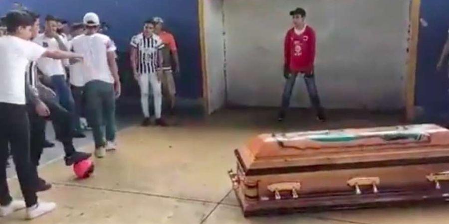 Tewas Terbunuh, Remaja ini Cetak Gol Mengharukan untuk Terakhir Kali