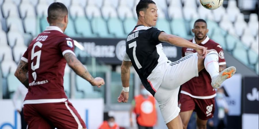 VIDEO - Gol Tendangan Bebas Pertama Cristiano Ronaldo untuk Juventus